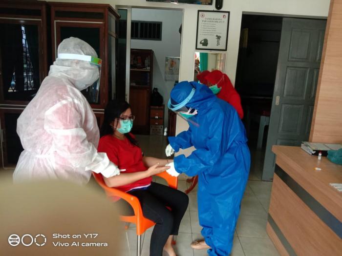 Istri Pemilik Klinik Pratama dan 2 Perawat Jalani Rapid Test Covid-19