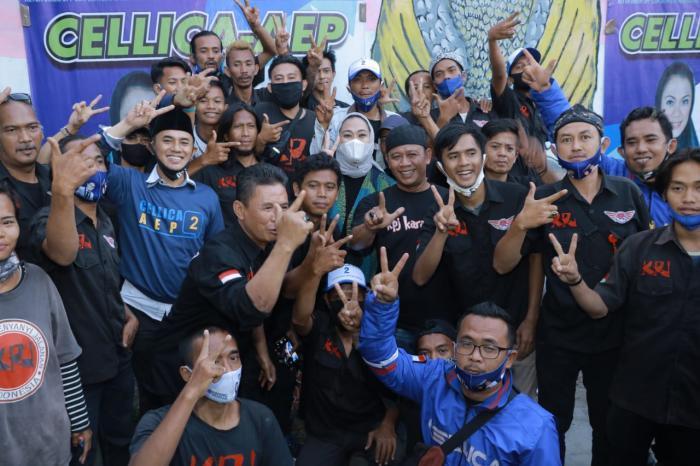 Kelompok Penyanyi Jalanan Dukung Penuh Paslon 02 Cellica - Aep