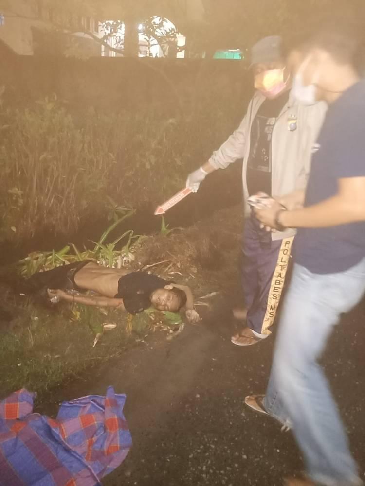 Pencuri Besi Tewas Ditikam Penjaga Malam
