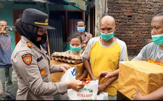 Korban Kebakaran di Marindal dapat Sembako